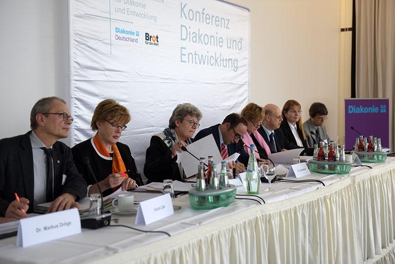 Zu Ihrer turnusmäßigen Sitzung kam die Konferenz Diakonie und Entwicklung im Oktober 2014 in Bremen zusammen.