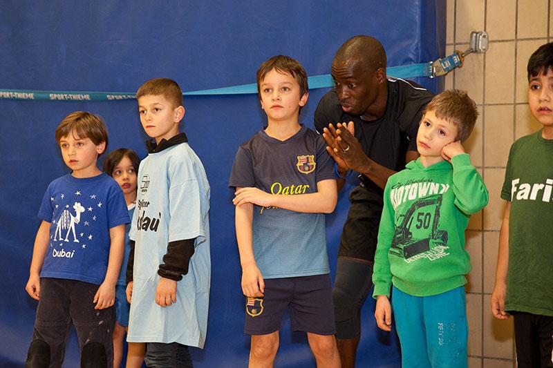 Kinder und Jugendliche beim Training. © Kathrin Harms & Esteve Franquesa