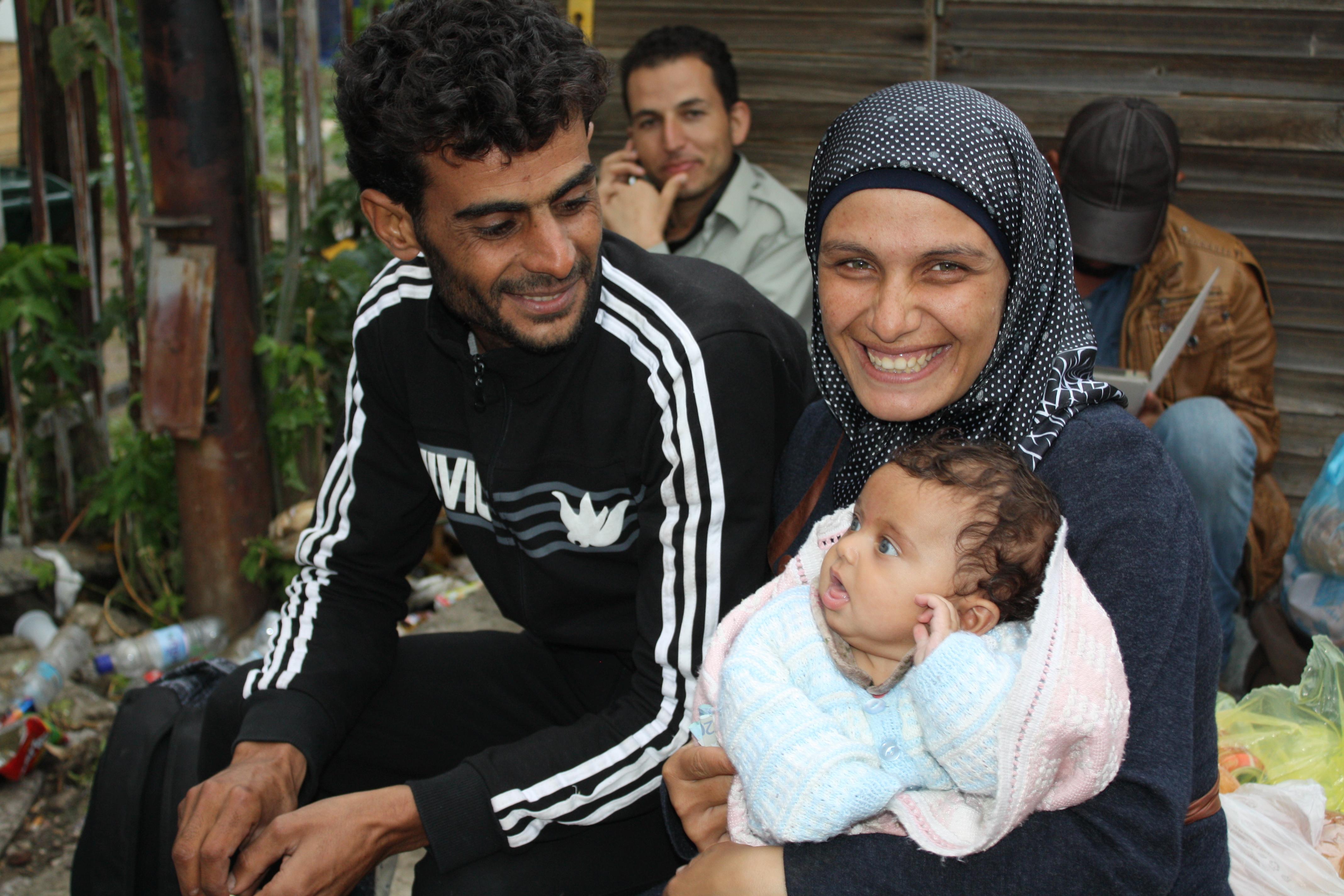 Eine Flüchtlingsfamilie wartet in Serbien auf die Weiterreise © Anieke Becker
