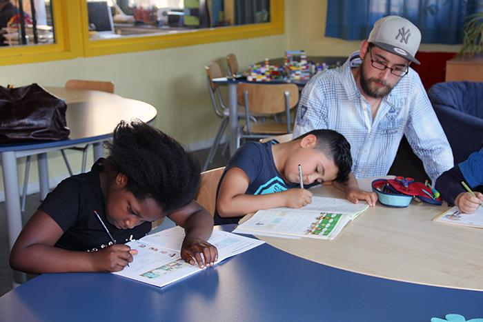 Hausaufgabenbetreuung nach dem Mittagessen in der Egestorffgrundschule © Anieke Becker